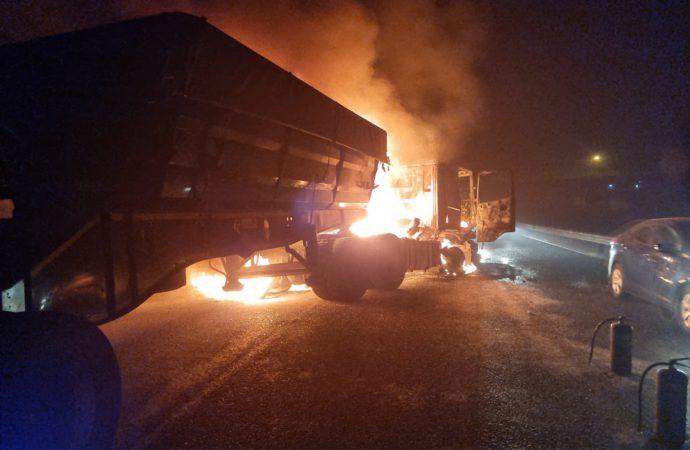Protesters Set Alight Five Haulage Trucks In Ermelo
