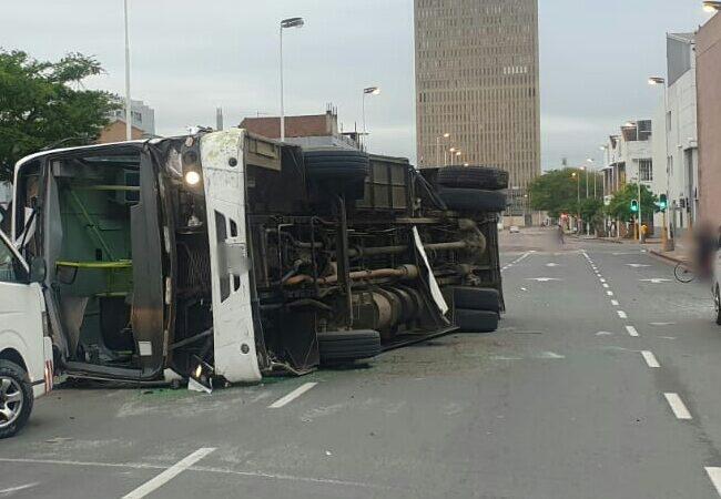 Early Morning Durban Bus Crash Leaves 15 Injured