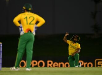 Quinton Quits T20 WC Over Order To Take The Knee